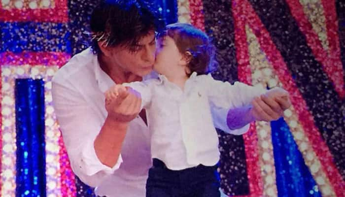 Awwdorable! Here's how AbRam reacted while watching papa Shah Rukh Khan's 'Fan'