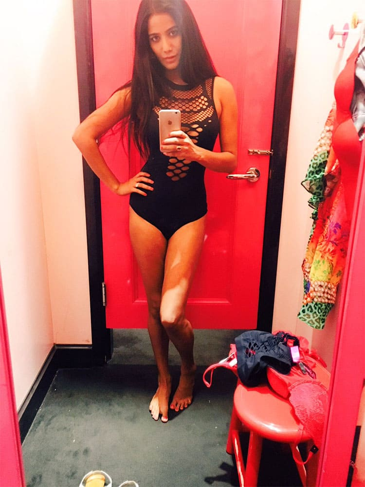 Poonam Pandey @:- Hey hey!! I love clicking Pics in the Dressing Room ;) how's it?? -twitter