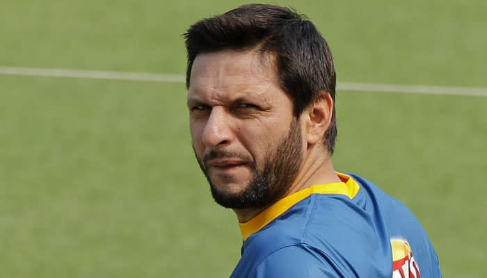 WATCH: Shahid Afridi opens Pakistan's bowling attack against India...as a pacer
