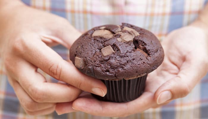 Sanjeev Kapoor shares the recipe of drool-worthy 'Chocolate Cupcakes' – Watch