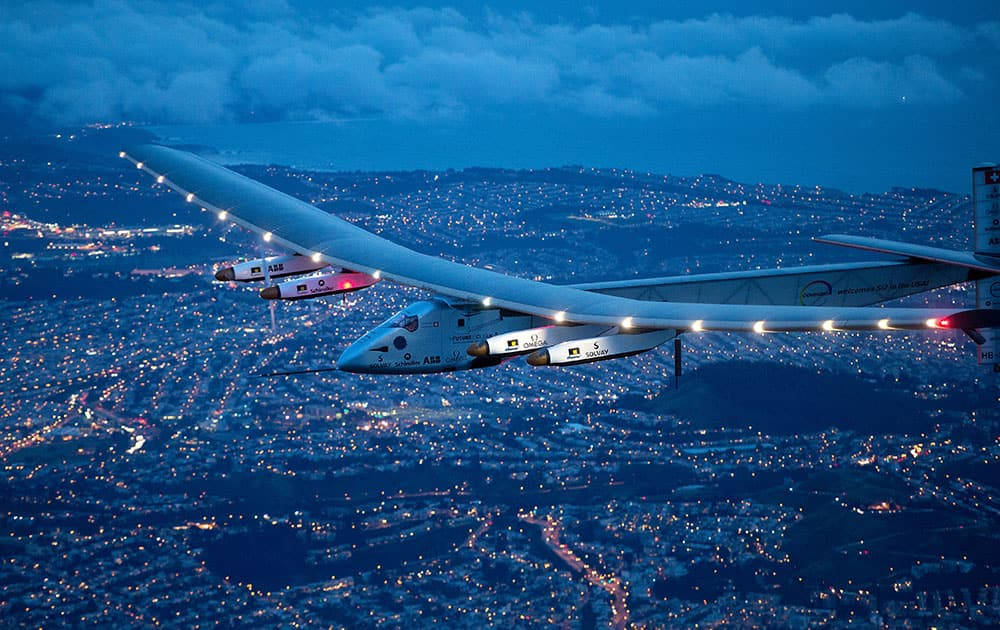 Solar Impulse 2 flies over San Francisco.