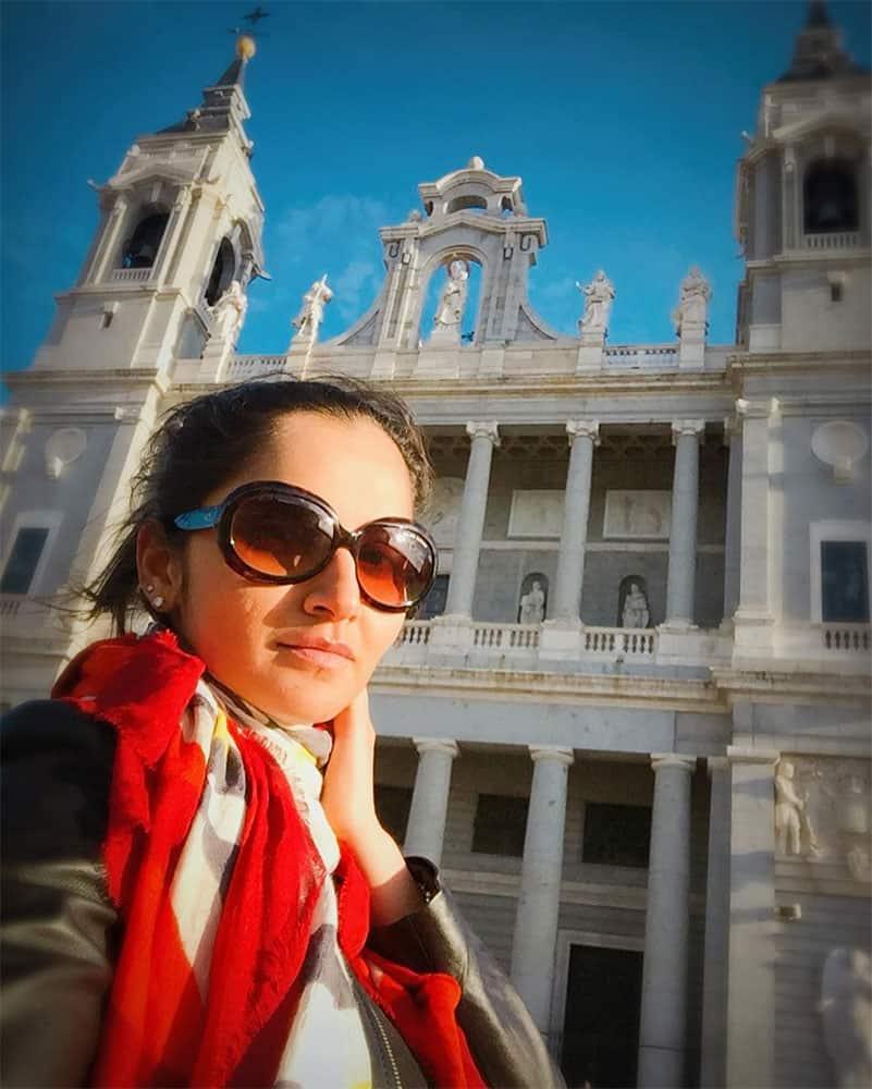 Sania Mirza :- Tourist in Madrid 1  #PalacioReal #Globetrotter  #beauty -instagram@MirzaSania