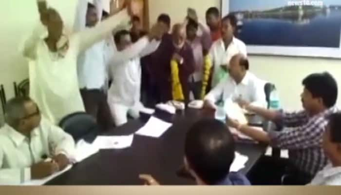 Simply hilarious! Protesters storm PWD office, perform 'nagin dance' against official apathy - Watch