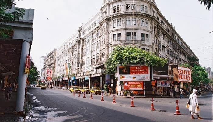 Kolkata wears forlorn look on poll day, less traffic on street