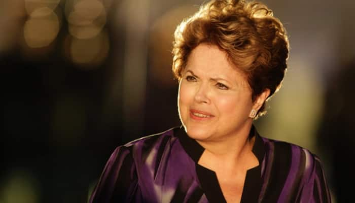 In fight against impeachment, Brazil President Dilma Rousseff tries to win left support