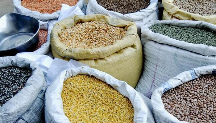 'Impose stock limit on importers to curb pulses prices'