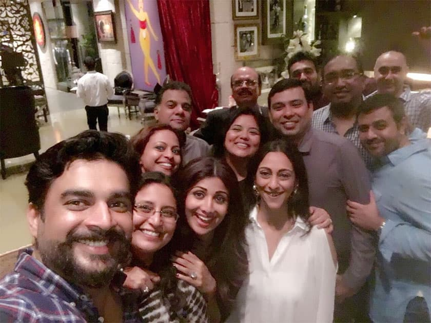 Fun night at home! @rajcheerfull n @ActorMadhavan have perfected the selfie! Have no idea. How we all fit! Twitte@TheShilpaShetty