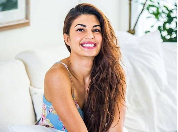 All set for #AskJacqueline! Are you ready guys? Shoot in your questions at 5 PM IST. 10 mins to go!- twitter@Asli_Jacqueline