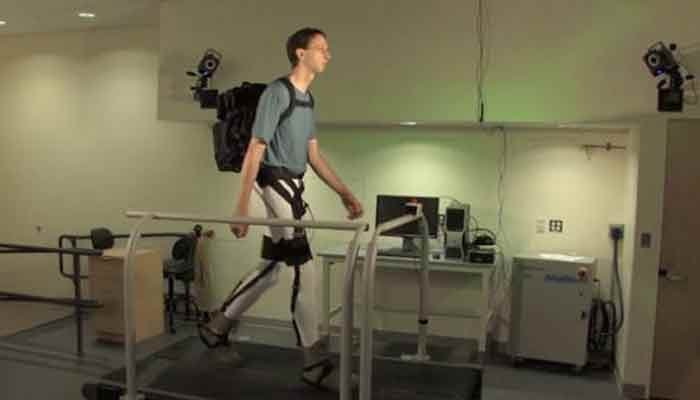 Flexible exosuit that can lighten heavy loads for soldiers – Watch!
