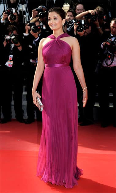 Aishwarya Rai Bachchan sizzles at the Cannes Film Festival 2010