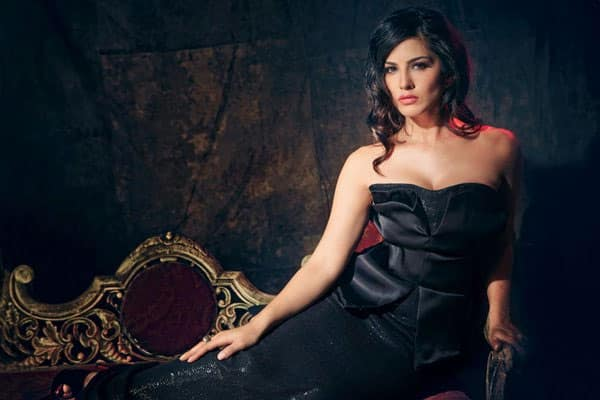 It's #SunnyLeone's birthday! The unfazed actor is awesome - let's count the ways: http://bit.ly/1RotWSd- twitter@ELLEINDIA