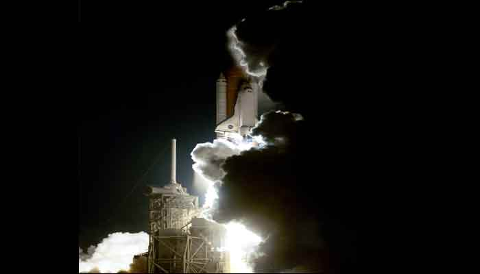 NASA goes into flashback mode; shares image of Atlantis take-off in May, 2000! - See pic