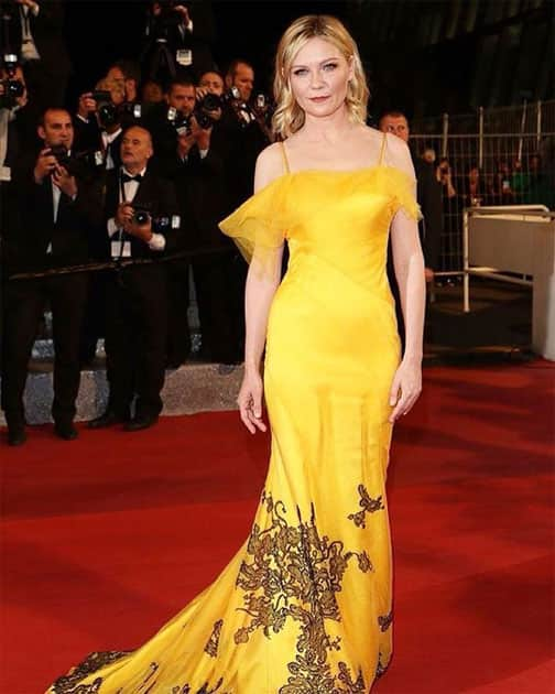 #KirstenDunst picks this marigold yellow beauty by @maisonmargiela at #Cannes2016. See all… http://ift.tt/1TMr1Qc- twitter@ELLEINDIA