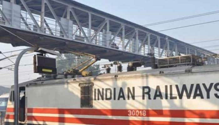 Railways eases mandatory catering charges, makes it optional in four trains
