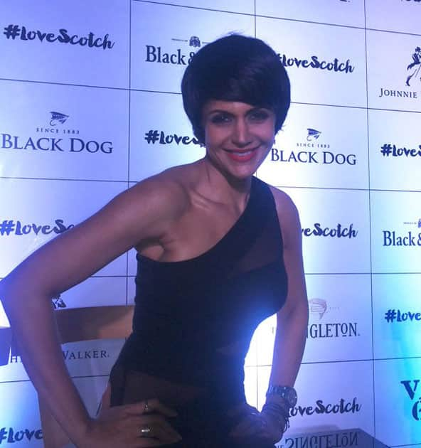 Launching #LoveScotch on #WorldWhiskyDay in #Bengaluru with @cocorocha @RandeepHooda @DinoMorea9 @The_YoungMD- twitter@mandybedi