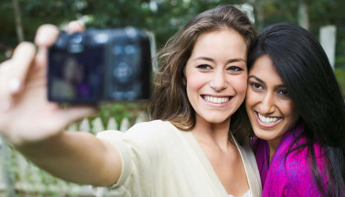 Frequent selfie takers less attractive?
