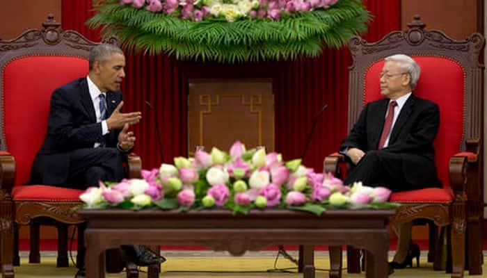 Barack Obama banishes Vietnam war era with lifting of arms ban