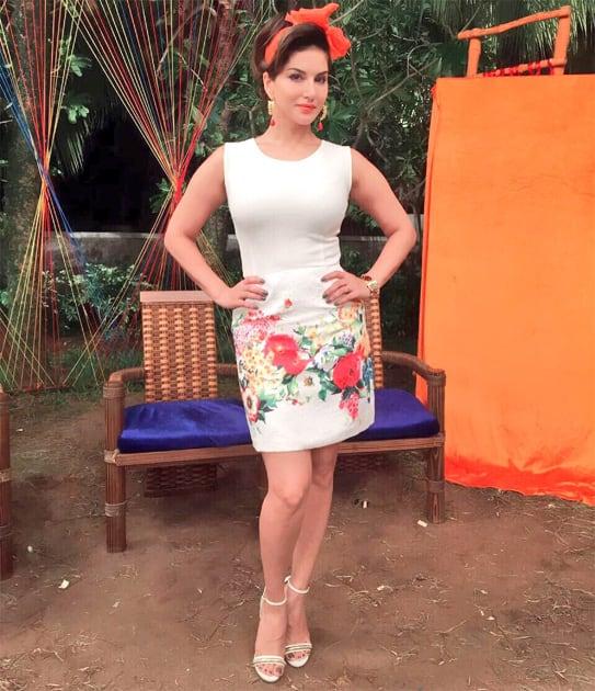 Outfit @Dimple.Amrin earrings&cuff @edesign_mumbai styling @hitendrakapopara make-up @nina_sagri &hair @tomasmoucka- twitter@SunnyLeone