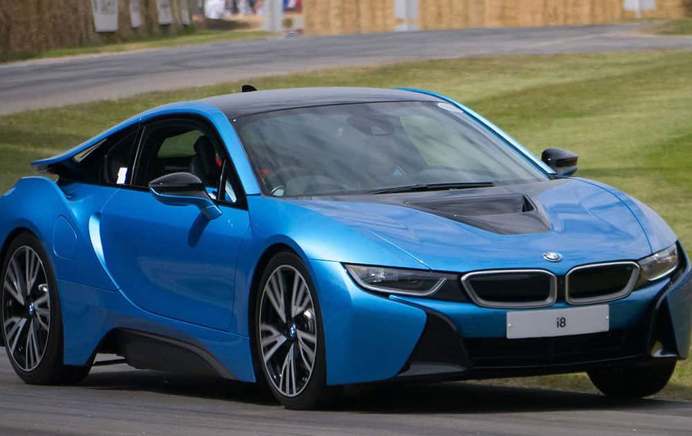 5. BMW i8