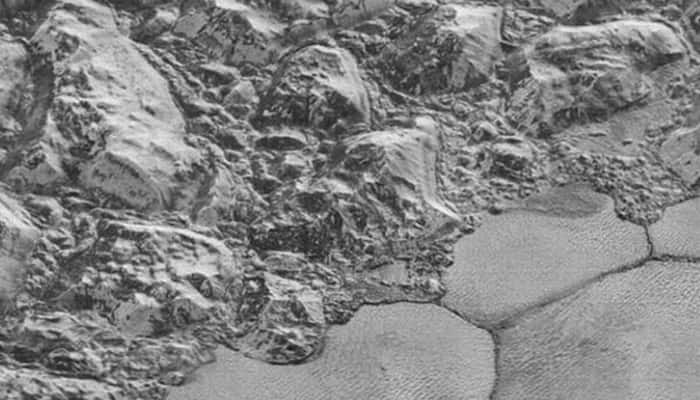 New Horizons' best close-up of Pluto's surface – Watch!