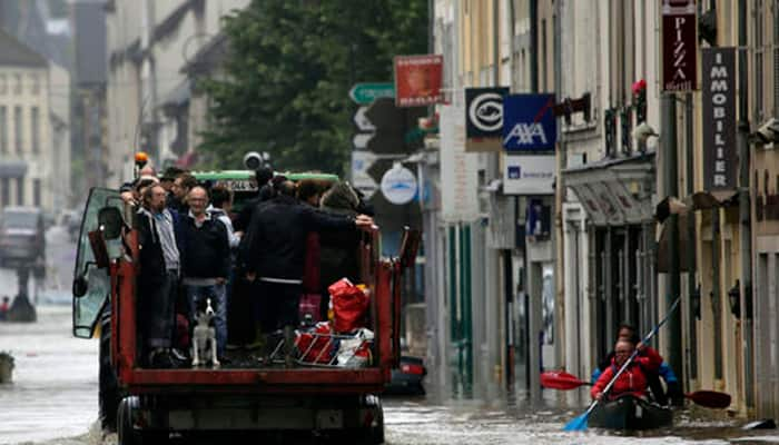 Paris on alert as swollen Seine reaches peak levels