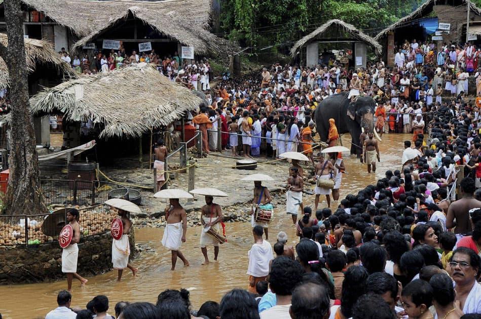 priests perform rituals