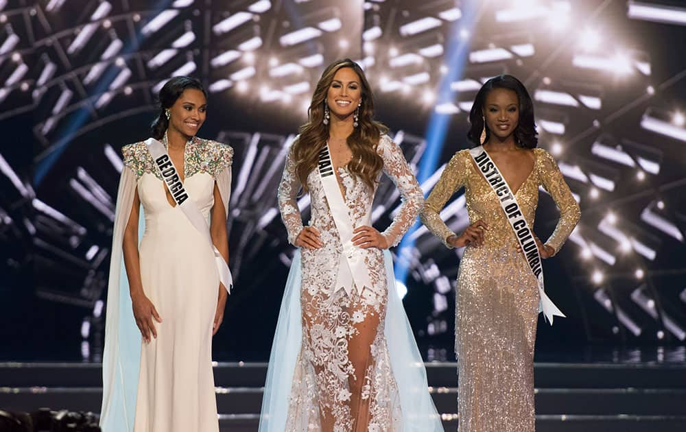 Army Reserve officer Deshauna Barber crowned Miss USA 2016