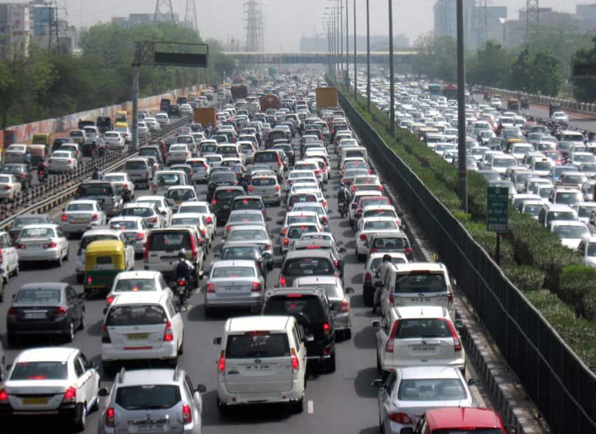 Traffic jam at Delhi-Gurgaon Expressway