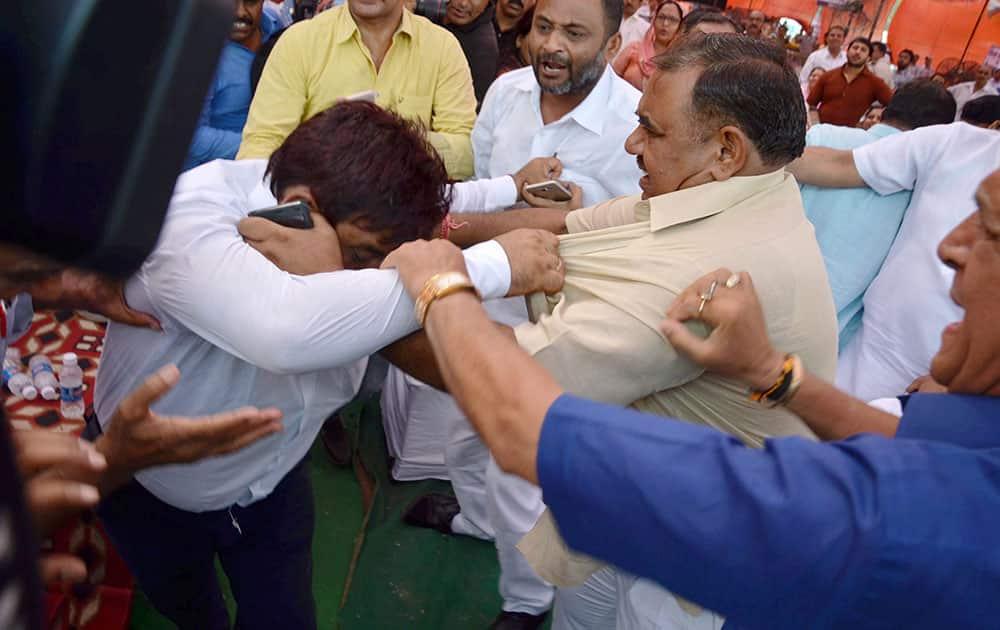 BJP councillor beat AAP councillor