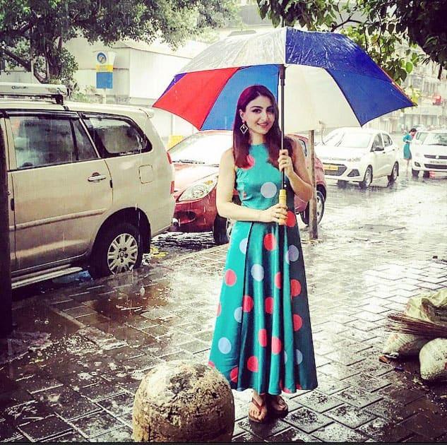 It's raining its pouring - who's snoring??!- soha ali khan