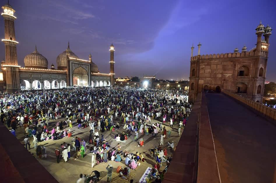 Muslims devotees break their fast during holy month of Ramadan