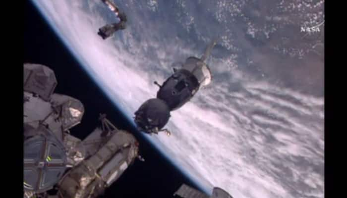 After 186 days in space, Expedition 47 crew members succesfully departs from ISS - Watch