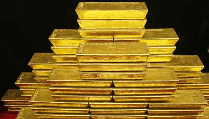 Gold perks up on firm global cues, jewellers buying