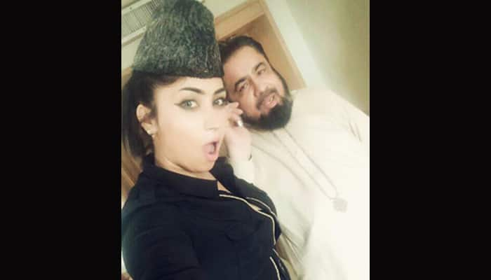 Cleric suspended after selfies with Pakistan`s `Kim Kardashian`