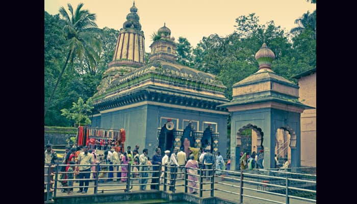 This Shiva temple in Pune built by Peshwa Nanasaheb is unique – Details inside