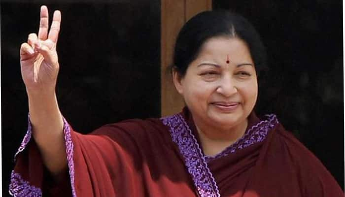 Thousands join DMK in Amma's presence