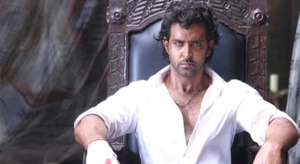 Hrithik Roshan escapes Istanbul attacks, reaches India safely!