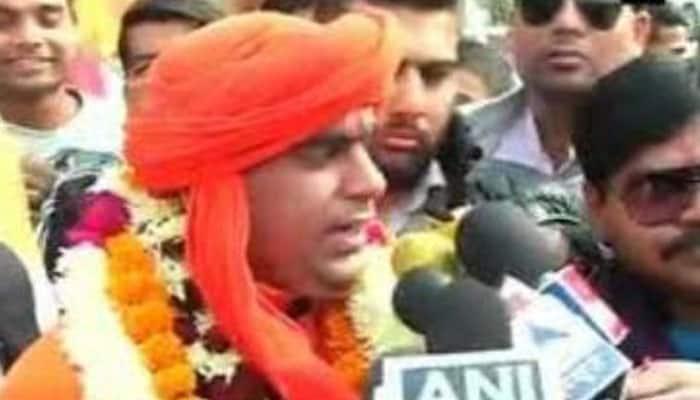 Hindu Mahasabha chief Swami Chakrapani gets Z-category security after threats from 'D-Company'
