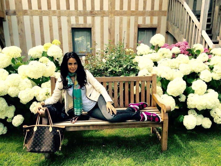Have a great weekend- Mallika Sherawat