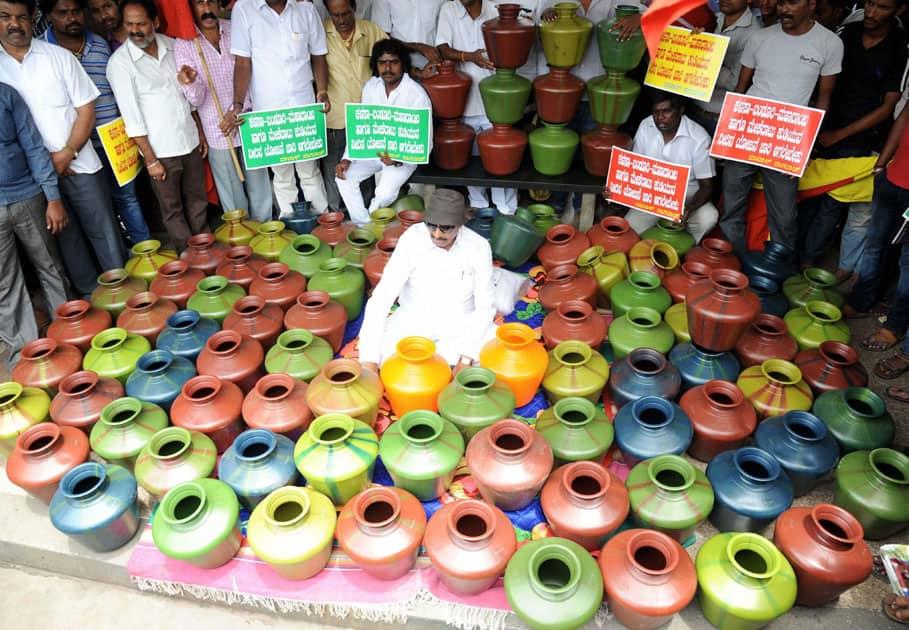 Vatal Nagaraj at protest