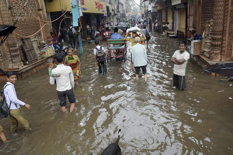 Rain in Mathura