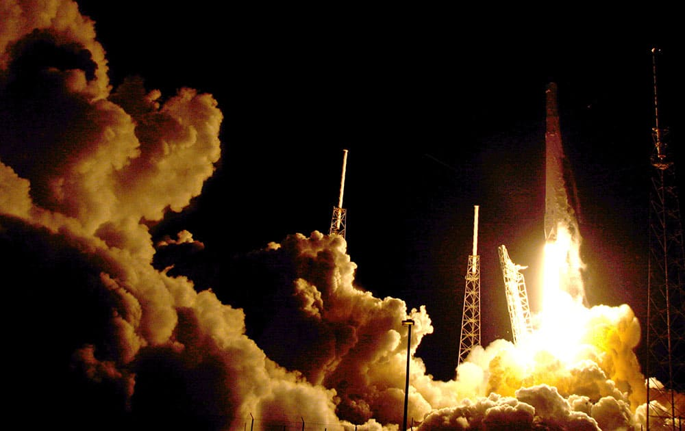 The Falcon 9 SpaceX rocket lifts off from launch complex 40 at the Cape Canaveral Air Force Station