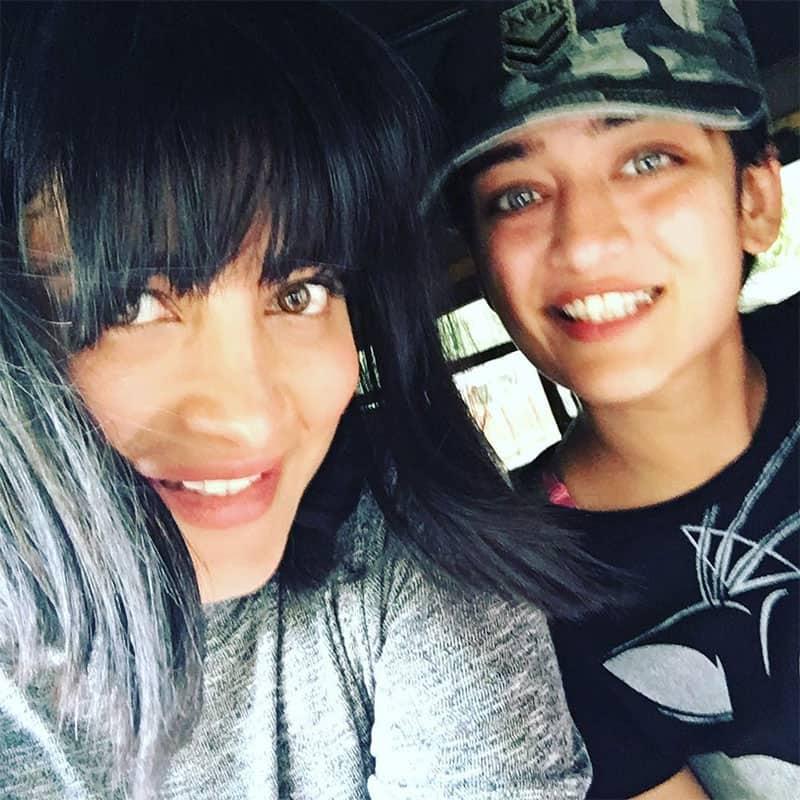 Shruti Haasan with Akshara Haasan
