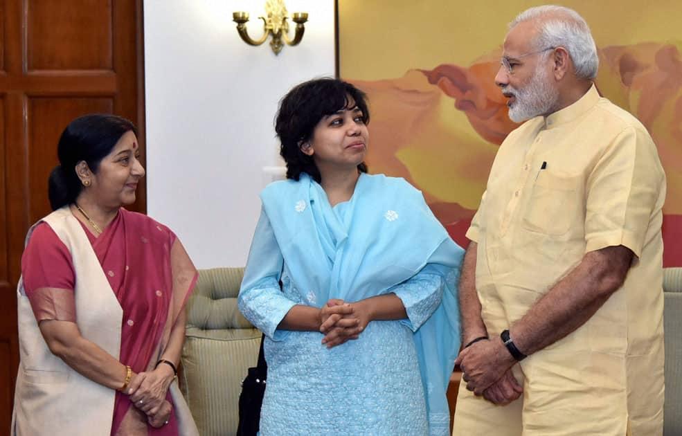 Narenda Modi with Sushma Swaraj meets Judith DSouza