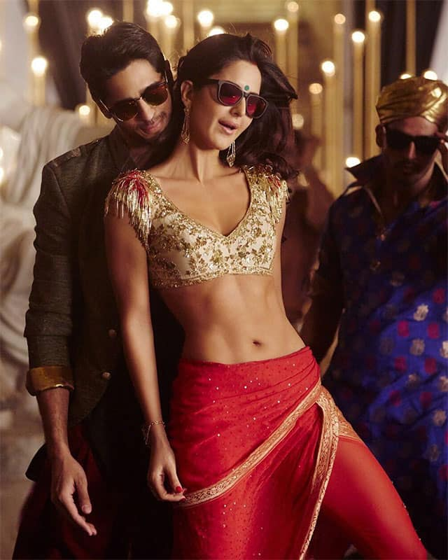 Sidharth Malhotra ‏:- Morning it's only 1 Day To Kala Chashma @BaarBaarDekho_ #KalaChashma #KatrinaKaif
