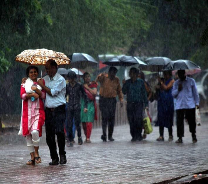 Rains in Agra.