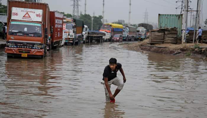 Traffic nightmare in Gurgaon; waterlogging on NH8 hits Delhi-Jaipur route, schools shut