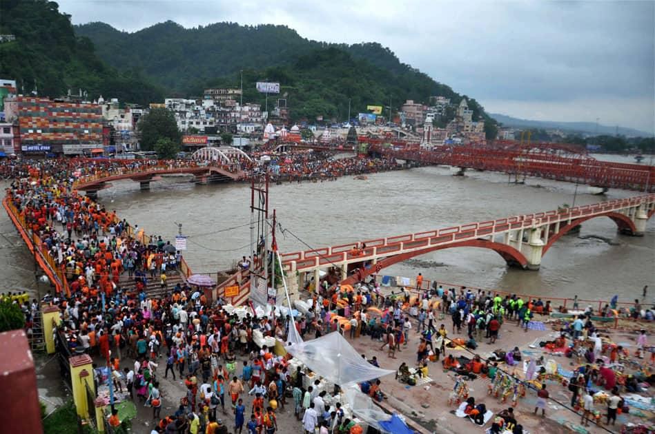 Devotees in Haridwar