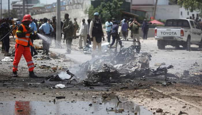 Militants launch car bomb, gun attack on Somali police base, 10 dead