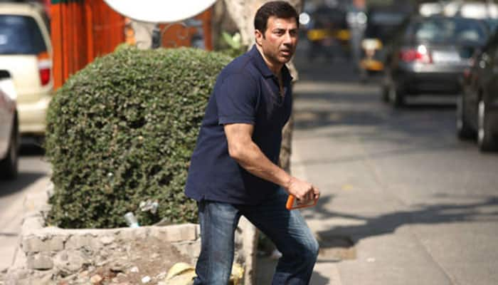 Sunny Deol is real action hero, feels Varun Dhawan